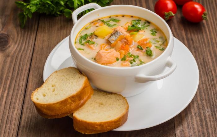 Норвежский суп из семги со сливками - традиционный рецепт