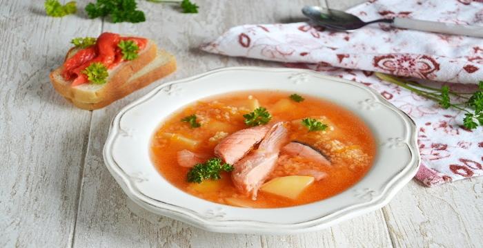 Рыбный суп с пшеном из брюшка лосося в домашних условиях