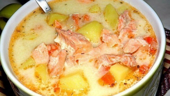 Суп из горбуши с плавленным сыром