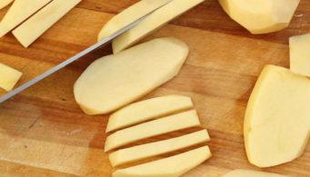 Тонко нарезанная картошка