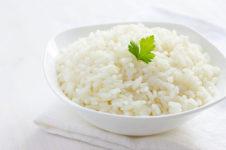 Отварим до готовности рис