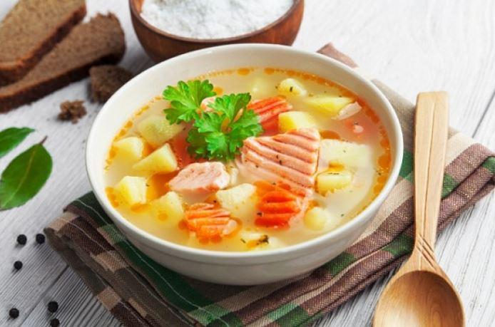 Как быстро и вкусно приготовить уху из семги