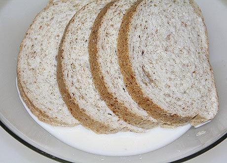 Сливки с хлебом