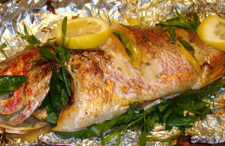 Как быстро и вкусно запечь треску в духовке