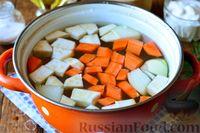 Фото приготовления рецепта: Рыбный суп из хека - шаг №3