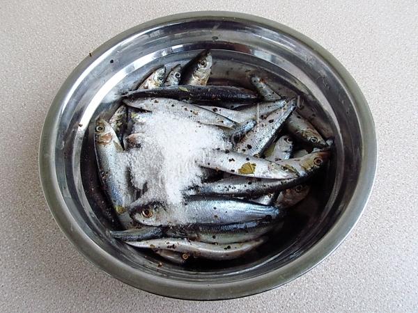 Килька с солью
