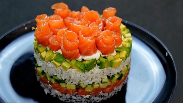 Фото к рецепту: Салат суши