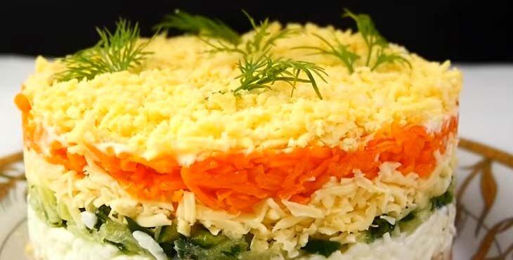 Салат классический с тунцом, огурцом и яйцом 11