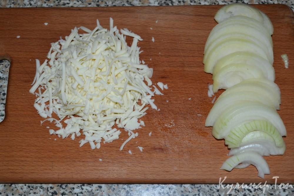Пангасиус под сметанным соусом и сыром