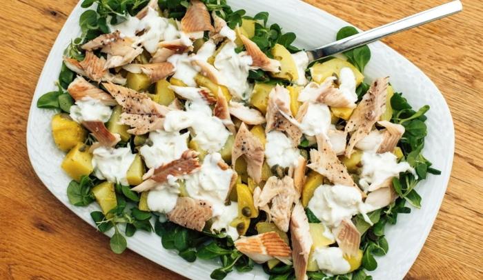 Салат с вареной рыбой и картошкой