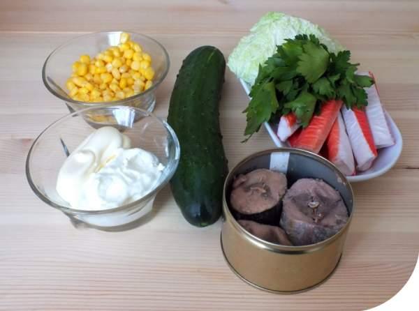 """Как приготовить """"Салат с тунцом и крабовыми палочками"""""""