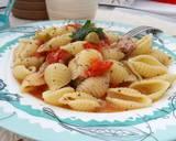 Паста с тунцом, оливками и помидорами Черри - 4 фото