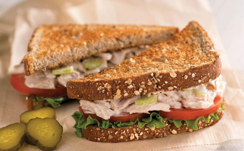 Сэндвич с тунцом − 6 рецептов приготовления