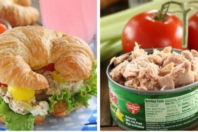 Сэндвичи с тунцом и солеными огурчиками