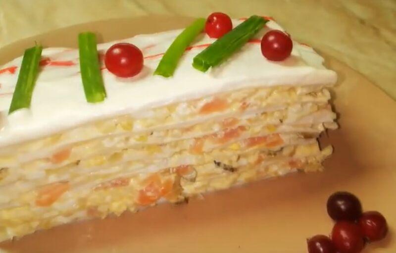 Салат из красной рыбой с крабовыми палочками