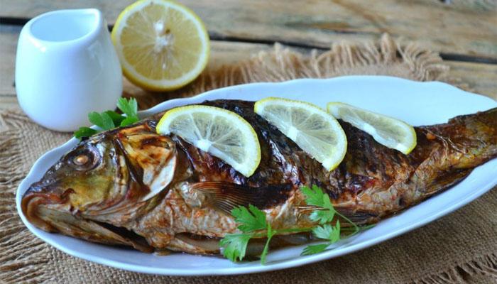 Рыба, запеченная целиком в фольге без обжаривания