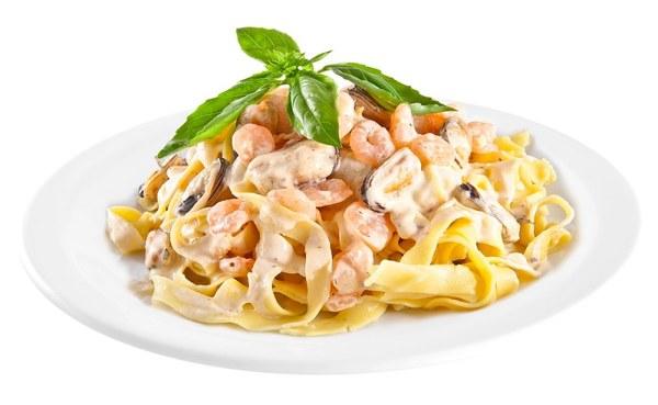 Паста с морепродуктами в сливочном соусе — необыкновенное блюдо за считанные минуты!