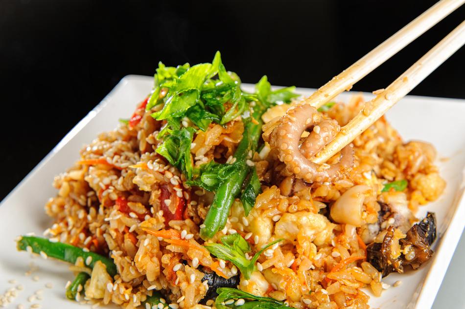 морской коктейль с рисом