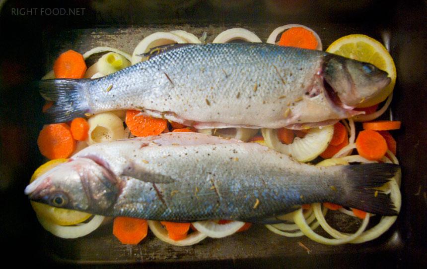 Запеченный Сибас в духовке с овощами