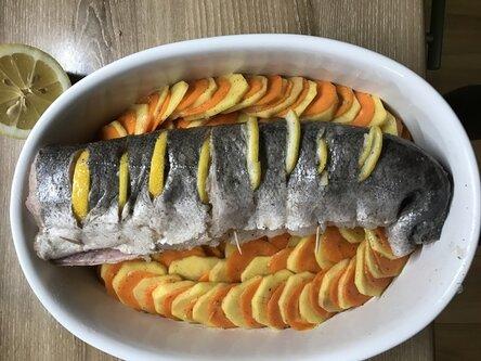 Хек запеченный с картофелем и морковью 4