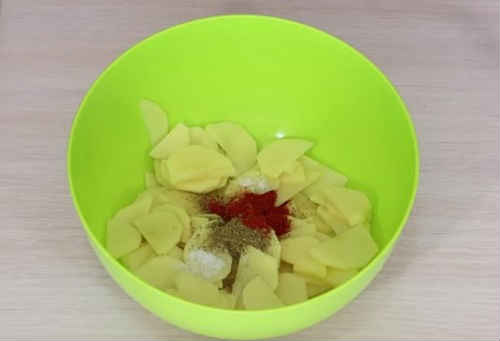 картошка и специи