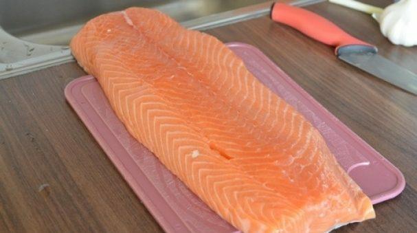 Шашлык из рыбы на мангале. Какую рыбу выбрать и как приготовить шашлык из рыбы этап 3