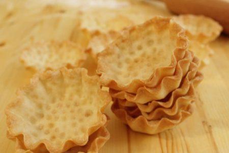 Несладкое песочное тесто для тарталеток в силиконовых формочках
